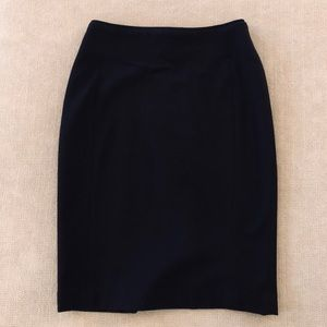 H&M Pencil Skirt Size 2 Black Pre-Owned